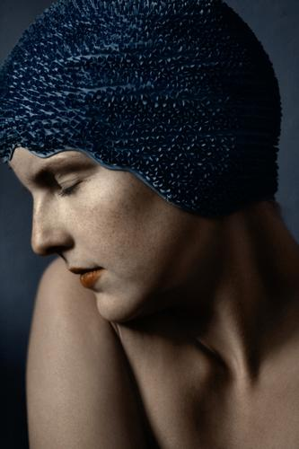 silent Face Portrait photograph Human being Woman Blue Smooth Vulnerable Beautiful Movement Elegant Skin Calm Peace Playing swimming hood