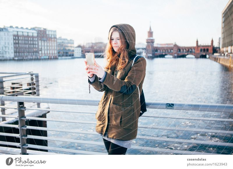 selfie Vacation & Travel Tourism Trip Sightseeing City trip Winter University & College student Cellphone PDA Entertainment electronics Feminine Young woman