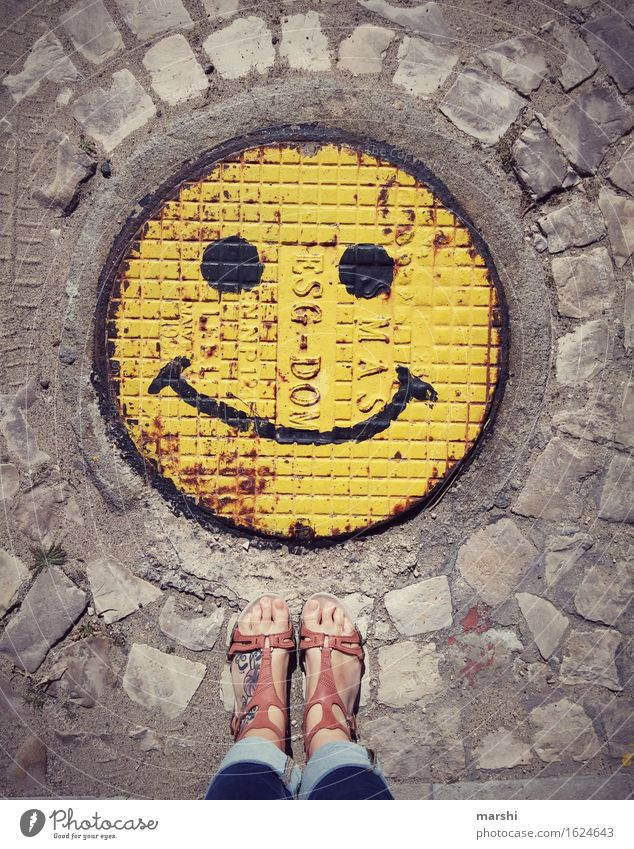 keep smiling Leisure and hobbies Human being Feminine Woman Adults Feet 1 Sign Signage Warning sign Graffiti Emotions Moody Smiley Street Gully Sandal Tattoo
