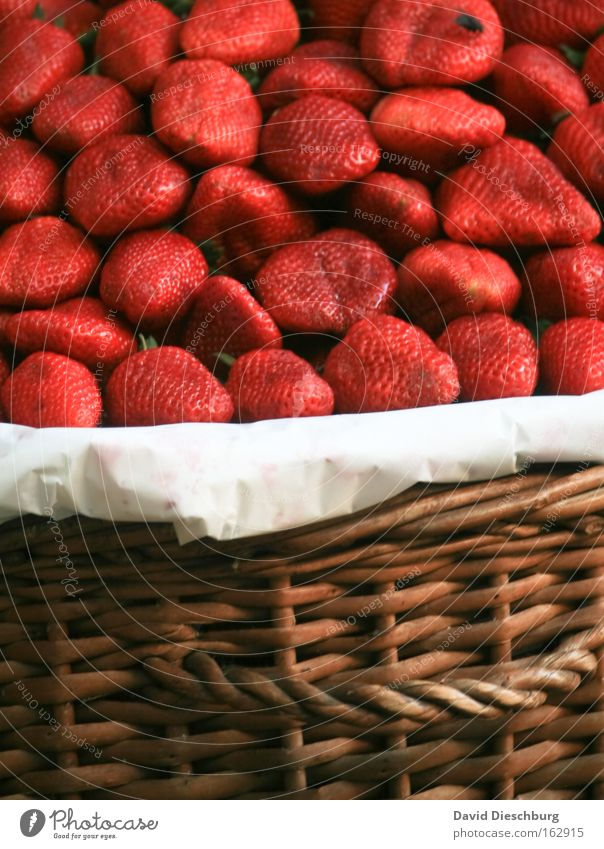 Plant Red Colour Fruit Food Nutrition Sweet Harvest Delicious Organic produce Berries Section of image Basket Partially visible Juicy Strawberry