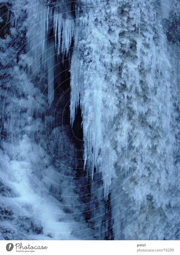 White Blue Winter Cold Ice Frost Frozen Bizarre Waterfall Smoothness Icicle Natural phenomenon Solidify Icefall