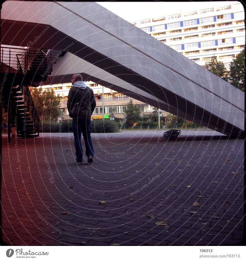 Photo number 116306 Going Stand Berlin Manmade structures Building Guy Modern Dude Architecture