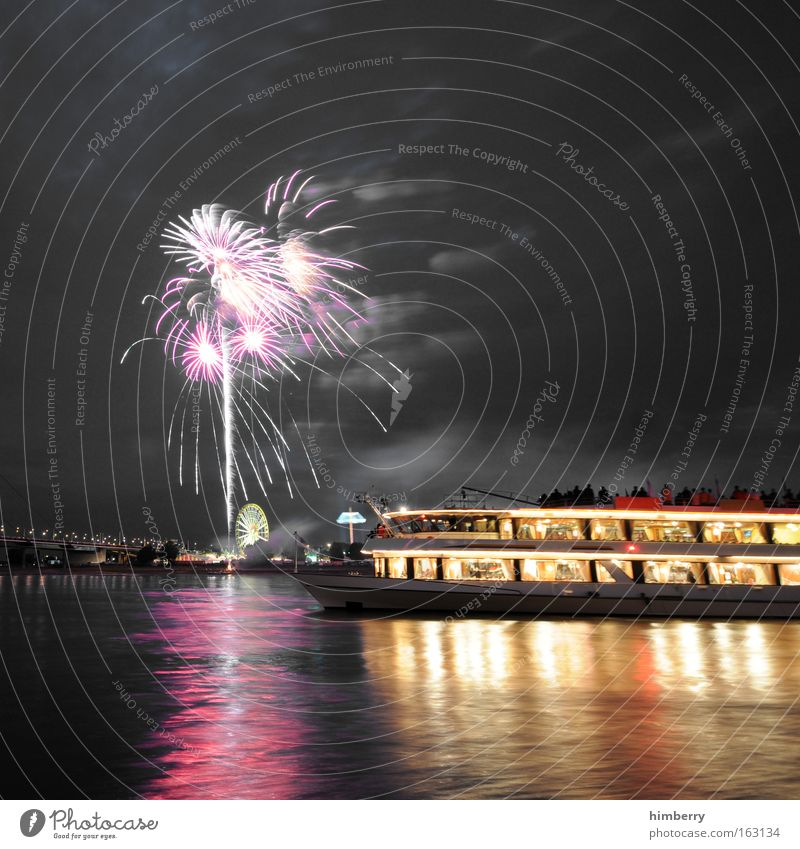 Joy Vacation & Travel Party Style Moody Watercraft Feasts & Celebrations Elegant Trip Design Dance event Large Tourism River Shows New Year's Eve