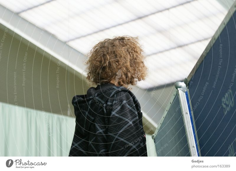 in front of the wall Leisure and hobbies Event Sporting Complex Education Student Human being Masculine Youth (Young adults) Body Head Hair and hairstyles 1