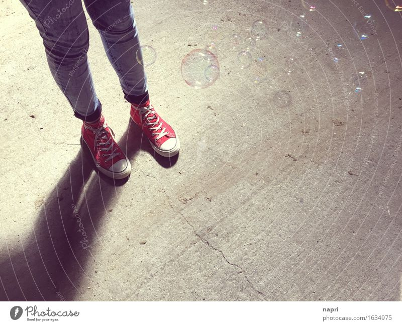 standing Lifestyle Joy Young woman Youth (Young adults) 1 Human being 13 - 18 years 18 - 30 years Adults Footwear Chucks Stand Authentic Hip & trendy Uniqueness