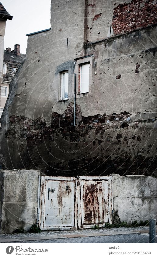 Old House (Residential Structure) Window Wall (building) Building Wall (barrier) Germany Facade Transience Historic Manmade structures Derelict Decline Downtown Gate Shabby
