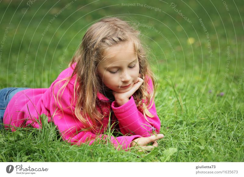 Girl day dreaming IV Feminine Child Infancy Life 1 Human being 3 - 8 years 8 - 13 years Smiling Lie Dream Happy Beautiful Pink Infatuation Calm Mysterious