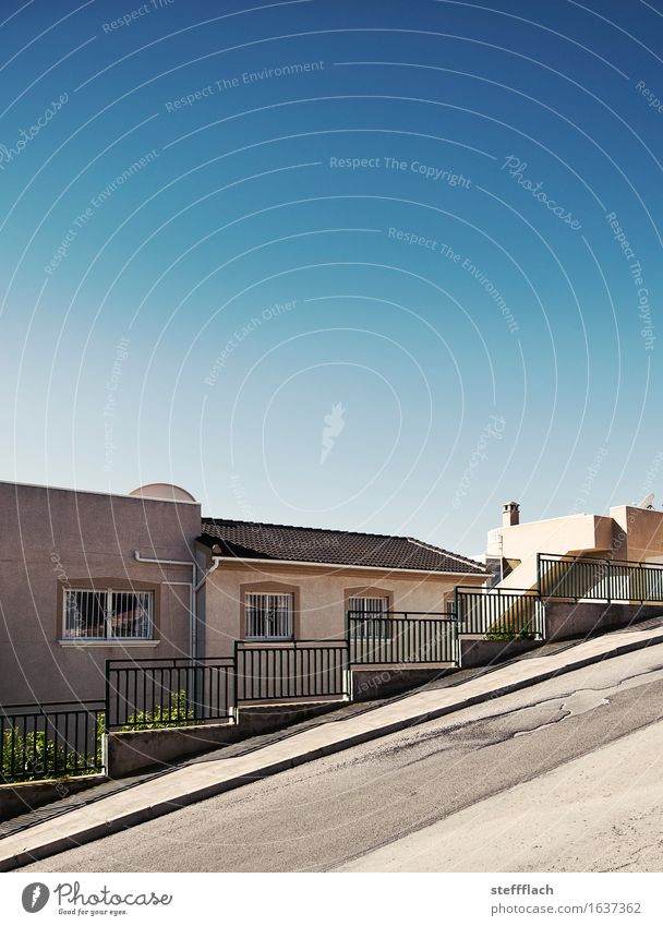 The streets of San Francisco Summer House (Residential Structure) Sky Beautiful weather Village Wall (barrier) Wall (building) Stairs Window Satellite dish