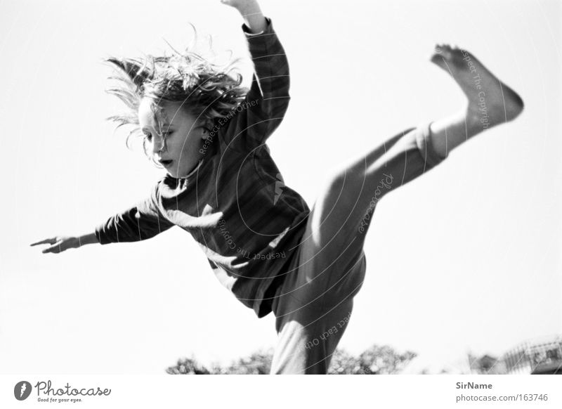 91 [falling softly] Trampoline Child Boy (child) 8 - 13 years Infancy Movement Fitness Flying Playing Jump Romp Happiness Happy Wild Joy Euphoria Discover