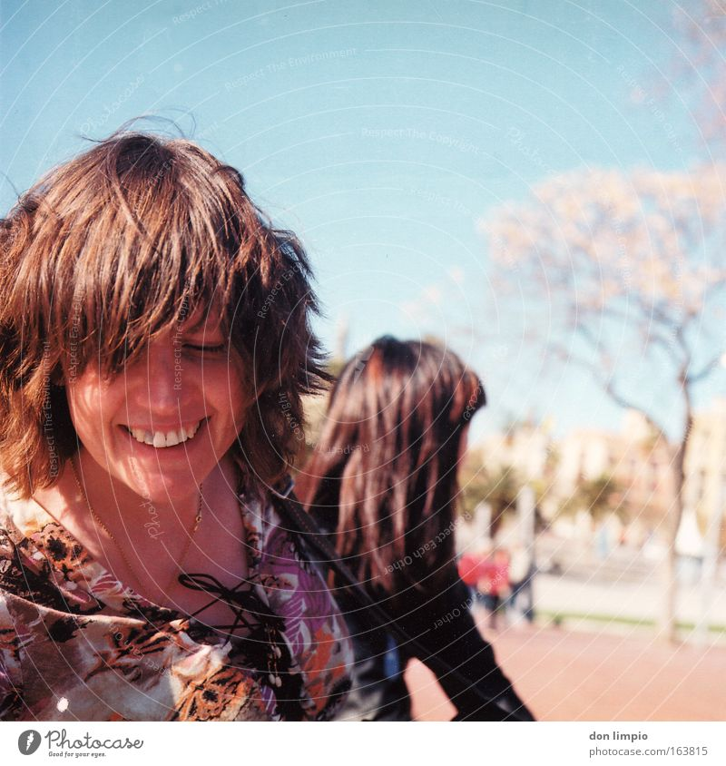 Woman Joy Face Hair and hairstyles Laughter Friendship Park 2 Friendliness Analog Spain Barcelona Medium format Light heartedness Recklessness