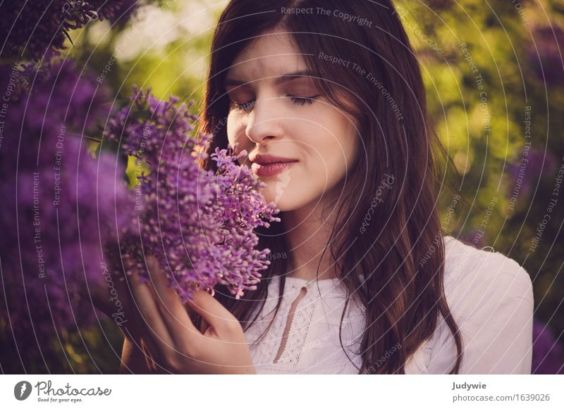 Odour Idyll Happy Beautiful Hair and hairstyles Allergy Well-being Summer Human being Feminine Young woman Youth (Young adults) Woman Adults 18 - 30 years