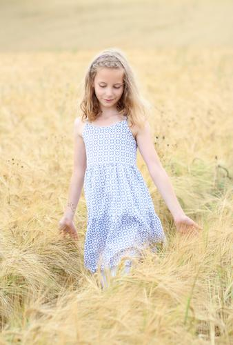 Human being Child Vacation & Travel Beautiful Summer Girl Natural Feminine Happy Think Going Dream Field Idyll Blonde Infancy