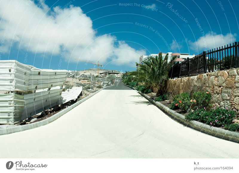 White Sun Green Blue Plant Summer Vacation & Travel Clouds Street Wall (building) Gray Wall (barrier) Park Brown Planning Europe