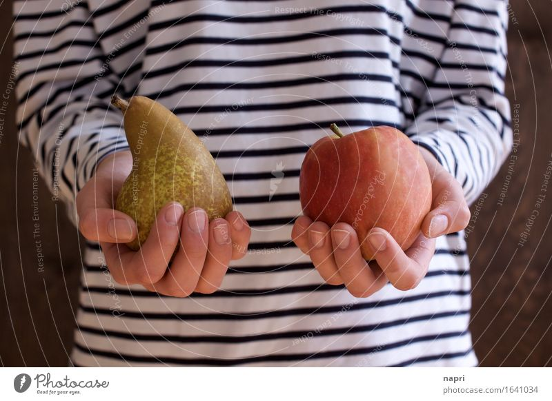 comparison Fruit Apple Pear Organic produce Young woman Youth (Young adults) 1 Human being 13 - 18 years 18 - 30 years Adults Select To hold on Fresh Healthy