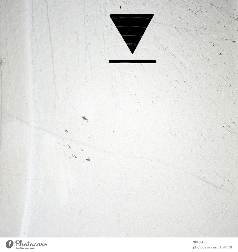 Photo number 117080 Arrow Symbols and metaphors Illustration White Black Contrast colourless Dirty Metal Line Display Meaning Geometry Point Direction Targeted