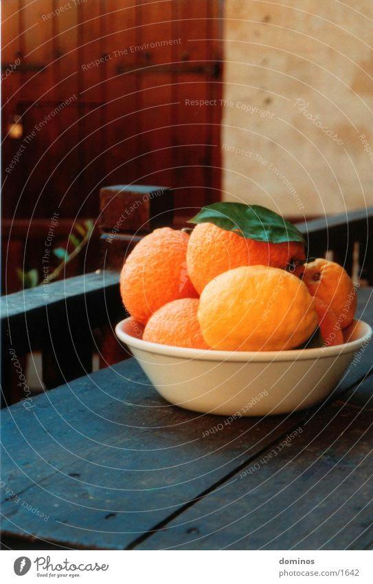Zirangen & Otrons Orange Nutrition old wooden table Bowl