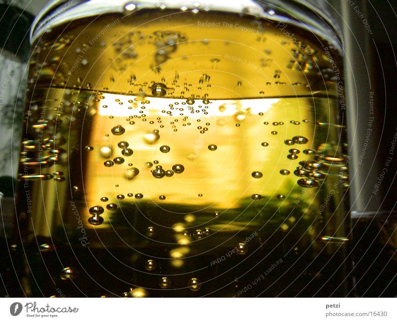Yellow Glass Drinking Fluid Alcohol-fueled Alcoholic drinks Air bubble Thirst Juice Shaft of light Syrup