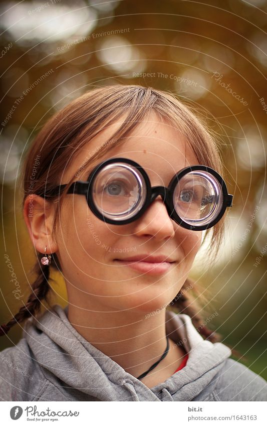 Look around. Parenting Kindergarten School Schoolchild Feminine girl Infancy Joy luck Opthalmology Vision Eyeglasses Optician Bookworm Geek Colour photo