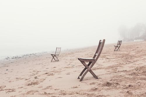 Elbe bank - deluxe Sand Spring Autumn Fog River bank Beach Hamburg Chair Wood Sit Wait Brown Gray Patient Calm Wanderlust Loneliness Expectation Esthetic