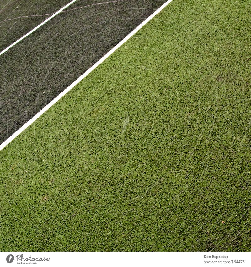 Green Sports Playing Gray Signs and labeling Free Gloomy Leisure and hobbies Stripe Orderliness Tennis court Sporting Complex Marker line