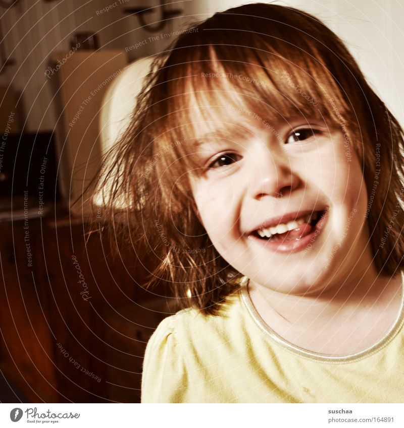 Child Youth (Young adults) Girl Joy Face Eyes Yellow Head Hair and hairstyles Moody Brown Gold Mouth Wild Nose Happiness