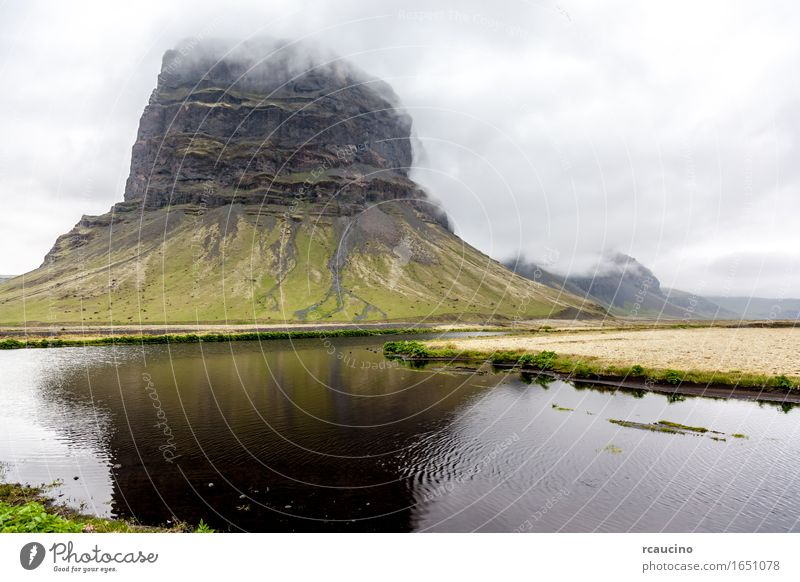 Lakes and mountains in south Iceland Summer Nature Landscape Clouds Bad weather Mountain Lakeside Green Moody Europe Colour photo Exterior shot Deserted