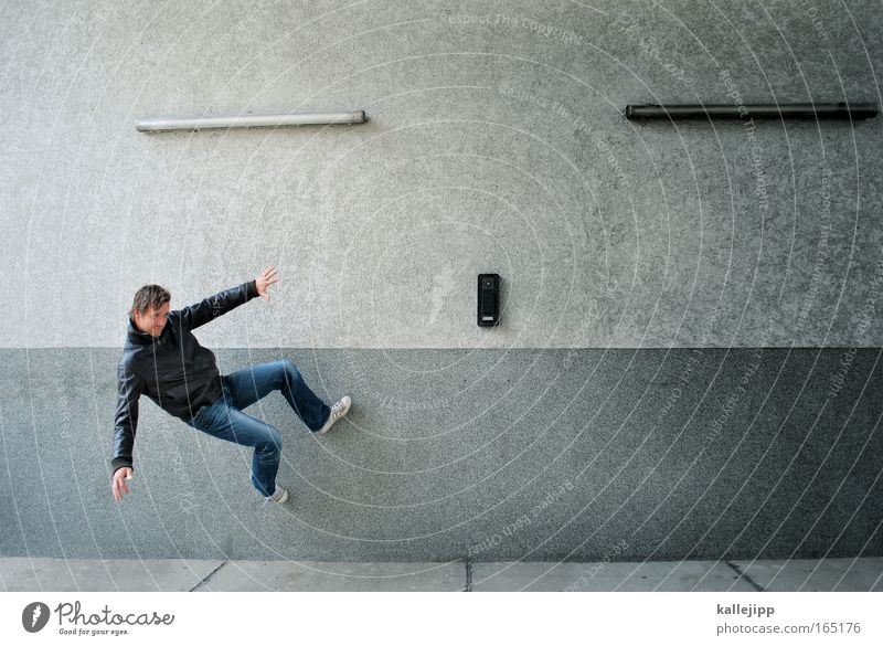 freerunning Exterior shot Forward Lifestyle Style Leisure and hobbies Playing Climbing Mountaineering 1 Human being 30 - 45 years Adults Youth culture Fitness