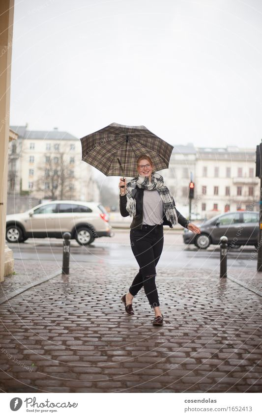 Young woman with umbrella Lifestyle Dance Apprentice University & College student Feminine Youth (Young adults) Woman Adults 1 Human being 18 - 30 years