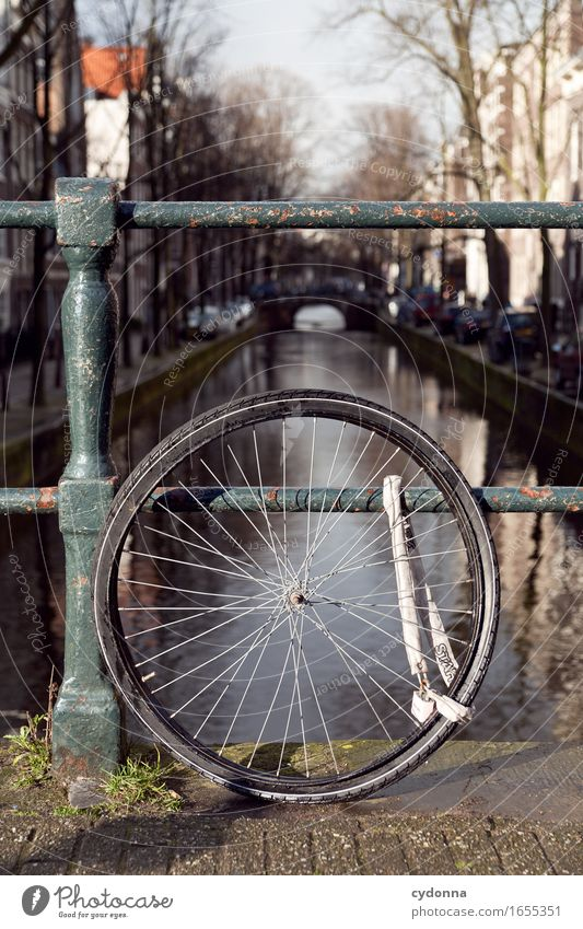 Bike - Solo Lifestyle Vacation & Travel Trip Sightseeing City trip Cycling tour Town Bridge Bicycle Advice Disappointment Threat Fiasco Risk Protection Safety