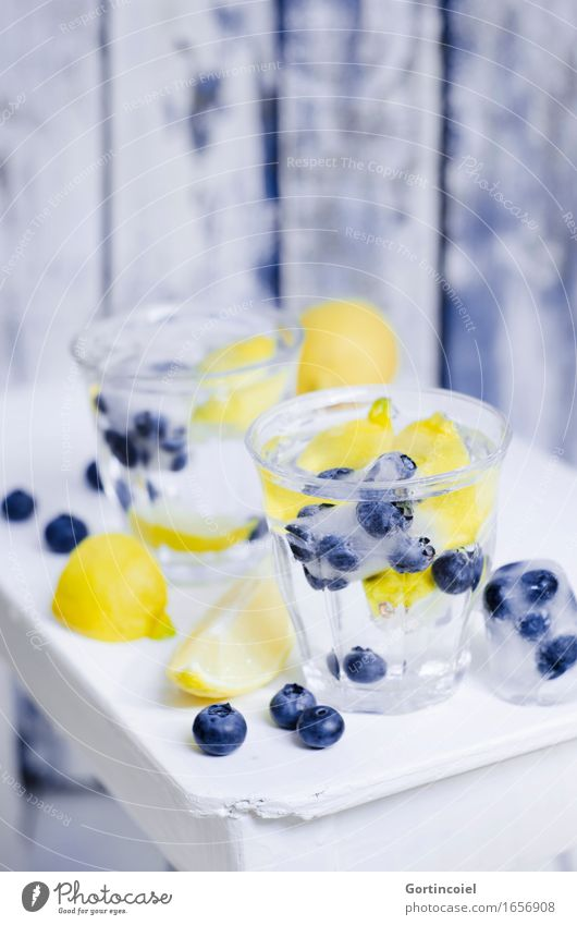 Blueberry Spritz Food Fruit Beverage Cold drink Drinking water Lemonade Longdrink Cocktail Glass Fresh Healthy Yellow White Refreshment Water Summer Summery