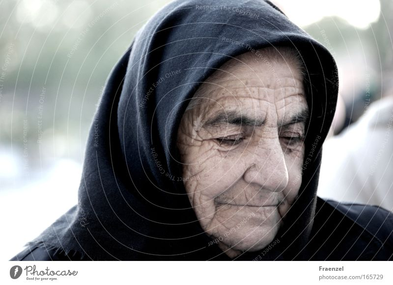time drawing Colour photo Subdued colour Exterior shot Day Long shot Portrait photograph Downward Human being Female senior Woman Grandmother Senior citizen