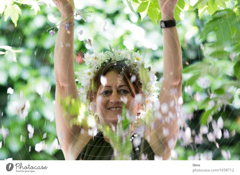 Human being Woman Plant Joy Adults Life Feminine Happy Park Contentment Success Happiness Stand Joie de vivre (Vitality) Friendliness To fall