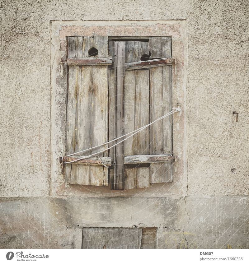 window Art Village Fishing village Small Town Capital city Port City Downtown Outskirts Old town House (Residential Structure) Detached house Hut