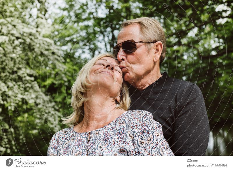 I love you honey Female senior Woman Male senior Man Couple Partner 60 years and older Senior citizen Nature Landscape Summer Beautiful weather To enjoy Kissing