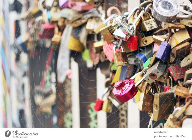 Encrypted love Vacation & Travel Tourism Sightseeing Wedding Work of art Berlin Germany Town Capital city Downtown Wall (barrier) Wall (building) Facade