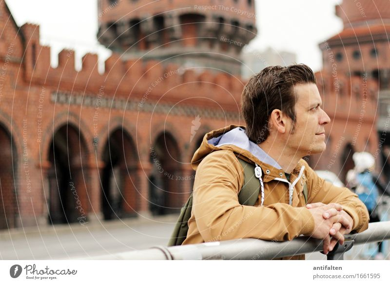 profile Lifestyle Vacation & Travel Tourism Sightseeing City trip Human being Masculine Man Adults Partner Hair and hairstyles Face Arm Hand Fingers 1