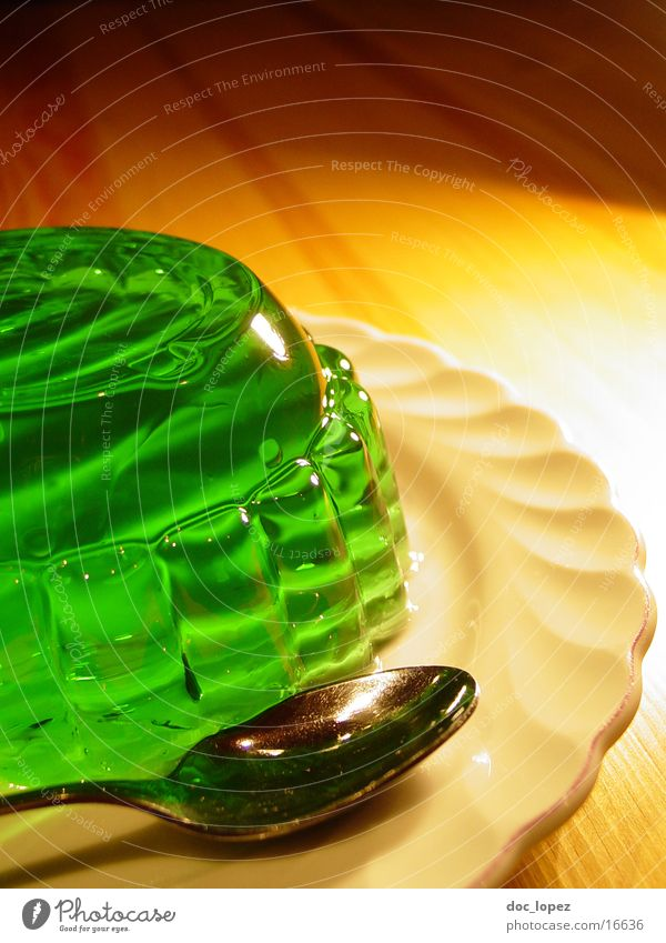 sologruen_1 Pudding Jelly Still Life Jello Green Bilious green Spoon Plate UFO Wobble Nutrition Table Dessert Woodruff It's served. invasion Perspective glibber
