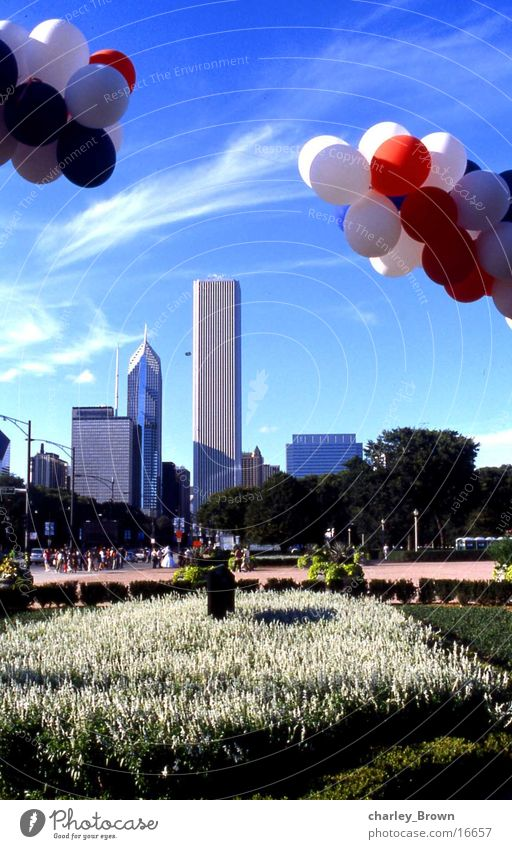 chicagos balloons Chicago New York City skyscraper Skyline