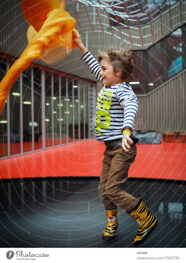 scarf dance Science & Research Child Wind energy plant Human being Masculine Boy (child) Infancy Body 1 3 - 8 years Art Exhibition Museum Dance Dancer Culture