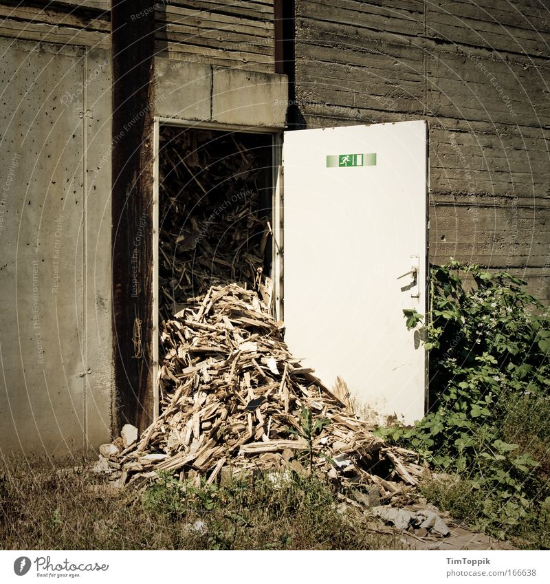 Wall (building) Wall (barrier) Door Factory Trash Chaos Disaster Industrial plant Way out Protection Emergency exit Escape route Crowded