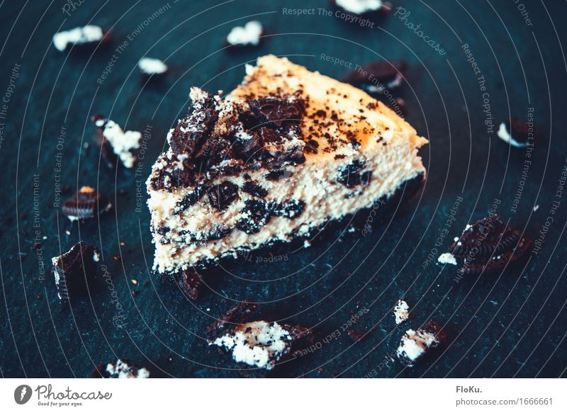 Oreo-Crumble Cheesecake Food Dough Baked goods Cake Dessert Candy Nutrition Eating To have a coffee Vegetarian diet Beautiful Delicious Sweet Blue Yellow Black