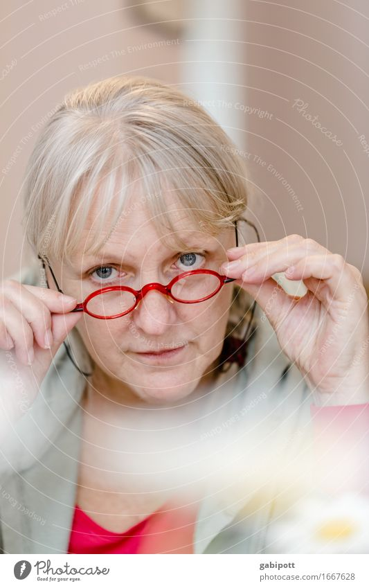 Human being Woman Relaxation Red Adults Eyes Life Senior citizen Feminine Contentment Blonde Authentic Happiness 45 - 60 years Observe Eyeglasses