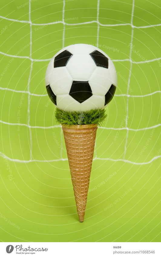 EM ice cream + topping Eating Fast food Design Joy Playing Feasts & Celebrations Sports Ball sports Sporting event Success Soccer Football pitch Gastronomy Net