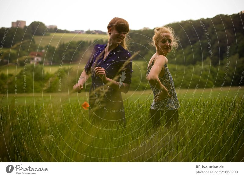 Can somebody get the hell out of here? Human being Feminine Young woman Youth (Young adults) 1 18 - 30 years Adults Environment Nature Landscape Grass Field