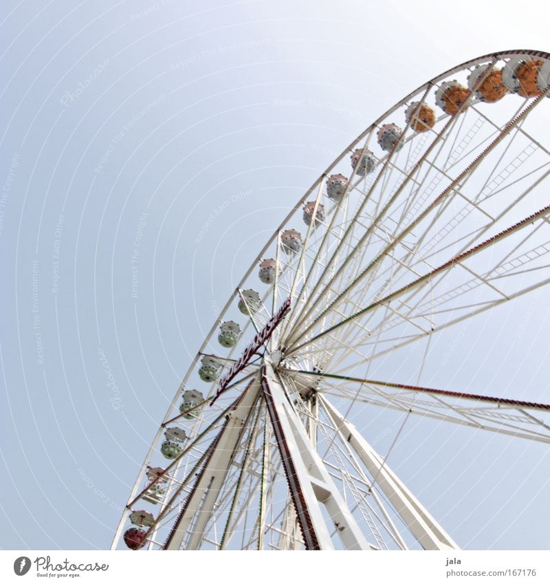 giAnt Colour photo Exterior shot Deserted Day Worm's-eye view Entertainment Event Oktoberfest Fairs & Carnivals Sky Driving Free Gigantic Large Joy Happy