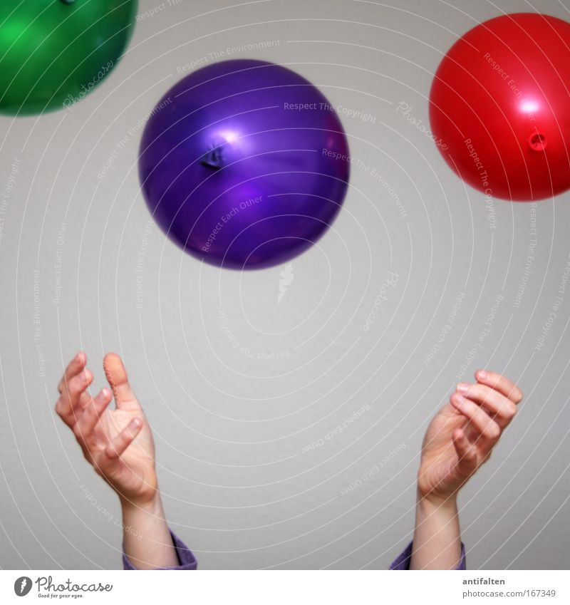 balloon thrower Joy Happy Party Birthday Woman Adults Arm Hand Fingers 1 Human being Balloon Movement Feasts & Celebrations Throw Friendliness Happiness