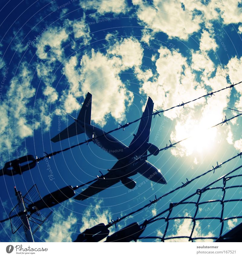 Sky White Green Vacation & Travel Sun Clouds Freedom Flying Large Airplane Exceptional Aviation Threat Retro Near Airplane landing