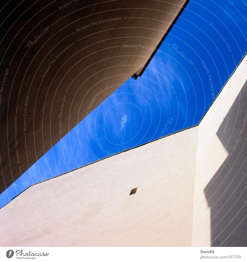 Sky Blue City House (Residential Structure) Wall (building) Wall (barrier) Building Facade Fresh Manmade structures Backyard Aerial photograph Old building Old town Cloudless sky