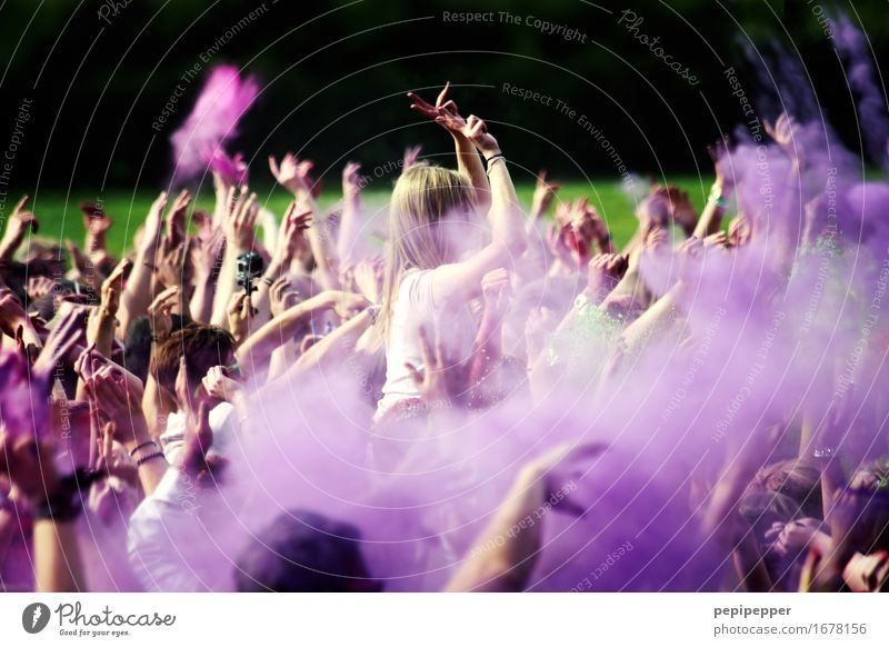 Holi Festival Lifestyle Leisure and hobbies Party Event Music Feasts & Celebrations Clubbing Dance Human being Youth (Young adults) Crowd of people