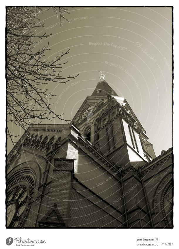 Sky Religion and faith Architecture Back Brick House of worship Protestantism Basilica Neogothic